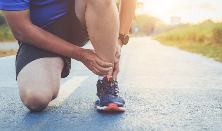 Idrottsskada uppstår ibland successivt och ibland plötsligt. Vi lägger upp rehabträningen i Hälsa i Kubiks gym i Mölnda på optimalt sätt så att du snabbt kan återgå till din idrott